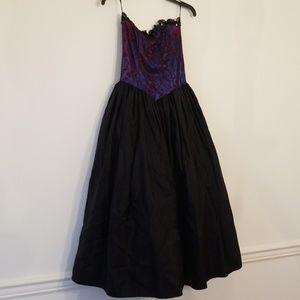 Dresses & Skirts - Vintage Formal Dress